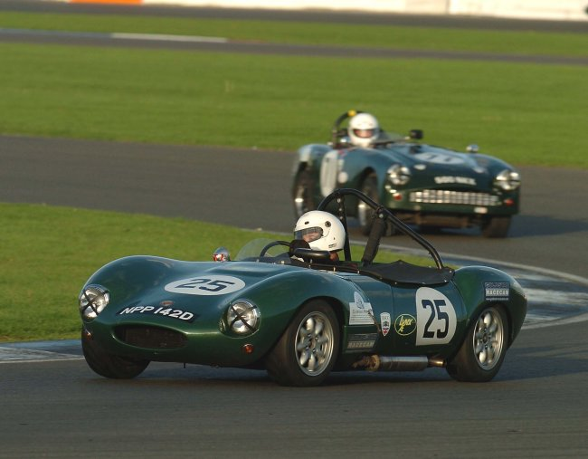 Ginetta sports cars at drastic plastic in competition Randall motors